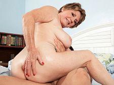 69-year-old Bea Cummins bonks 25-year-old Johnny