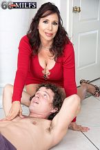 A new 60Plus HORNY HOUSEWIFE who's short 'n' stacked