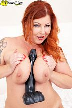Big-titted Tammy Jean and her titanic toy