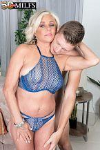Payton shags her son's friend